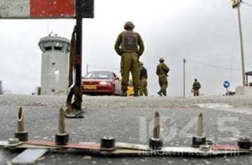 العاملون بوزارة الخارجية والامن الإسرائيلي يهددون بتعطيل السفارات واغلاق المعابر مع السلطة