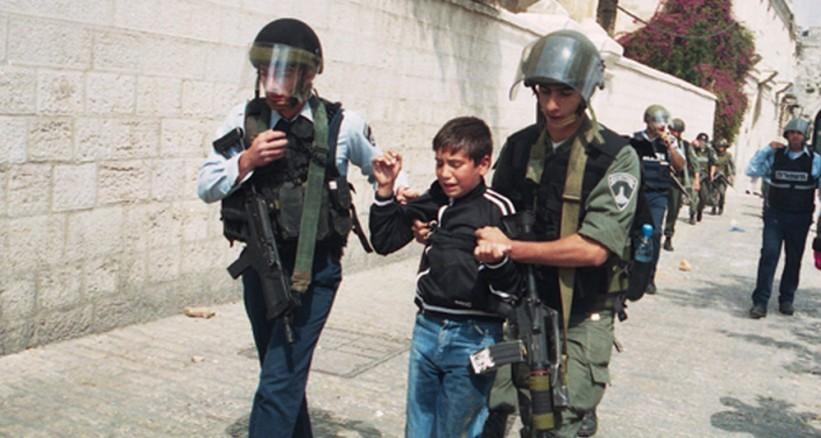 منهم أطفال ونساء.. 100 حالة اعتقال منذ بداية رمضان
