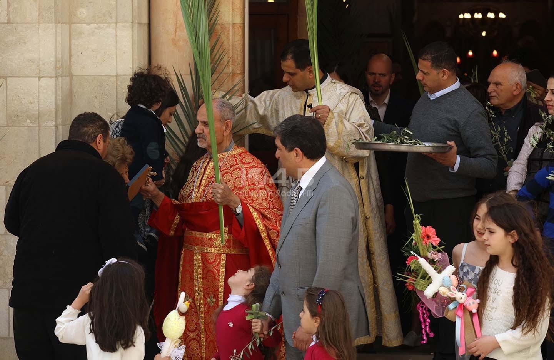 صور: الطوائف المسيحية التي تسير حسب التقويم الغربي تحتفل بأحد الشعانين