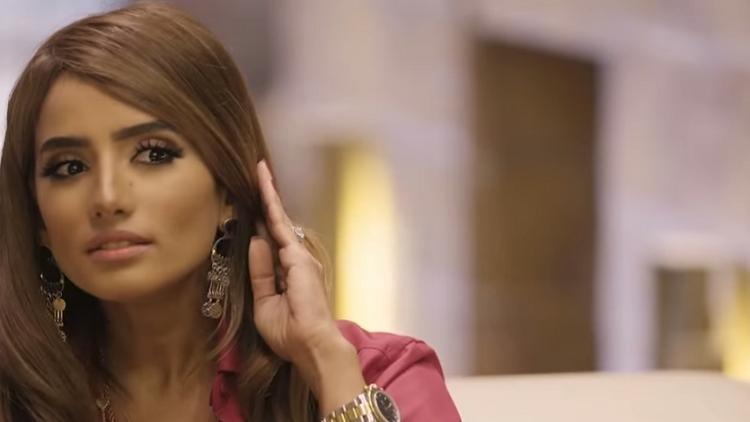 القضاء الإماراتي يتهم رسميا ممثلة شهيرة بالاعتداء على قاصر