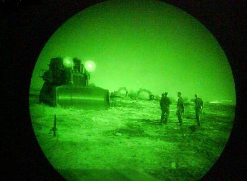 """""""والا"""": الجيش الاسرائيلي فقد وسائل عسكرية حساسة على حدود القطاع"""