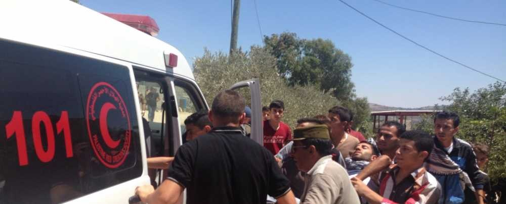 إصابة خمسة مواطنين بينهم ضابطا اسعاف في شجار بصوريف