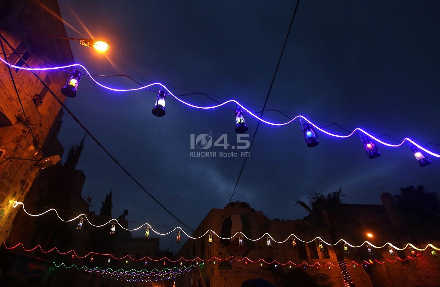 صور : البلدة القديمة بنابلس تستقبل شهر رمضان المبارك باضاءة 200 فانوس