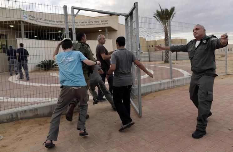 انطلاق صافرات الإنذار يثير ذعر الإسرائيليين في تل ابيب