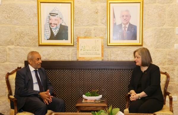 فلسطين وجنوب إفريقيا يبحثان التعاون في المجال السياحي