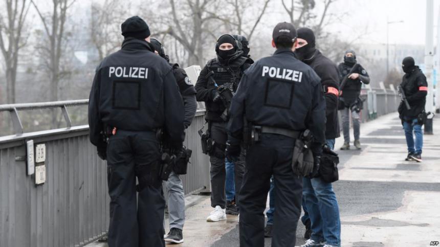 قوس وسهام.. جريمة قتل غامضة في ألمانيا