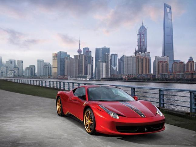 فيراري تستدعي 2071 سيارة في الصين بسبب عيوب في الوسائد الهوائية