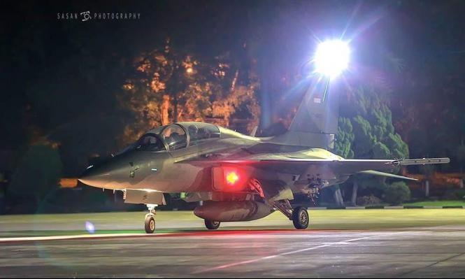 إندونيسيا.. مقاتلات إف 16 توقظ الصائمين على السحور