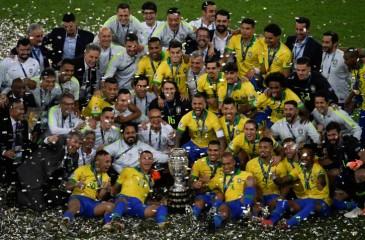 البرازيل تتوج بلقب كوبا أمريكا للمرة التاسعة في تاريخها بفوز مستحق على بيرو