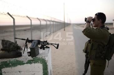 الاحتلال يحذر عمال الجدار من عمليات قنص على حدود غزة