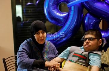 شاهد : الطالب أصيل محمد المدني من ذوي الاحتياجات الخاصة، يتفوق بمعدل 98.3 بالفرع العلمي في امتحان الثانوية العامة