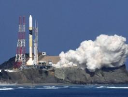 الهند تطلق أول مهمة للهبوط على سطح القمر