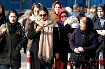 إيران.. عقوبات رادعة لمعارضات الحجاب الإلزامي