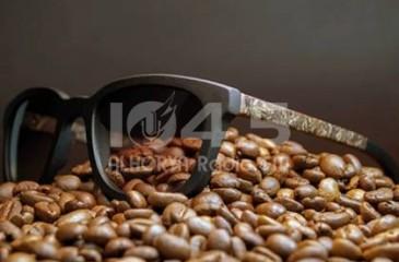 نظارة شمسية برائحة القهوة الساخنة!