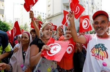 7 ملايين تونسي يتوجهون لانتخاب برلمانهم الثالث