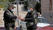"""الوعي.. سلاح الفلسطينيين الأمضى في مواجهة """"كورونا"""""""