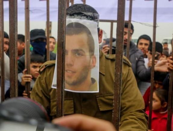 يديعوت: عرضٌ إسرائيلي جديد لحماس بشأن صفقة تبادل