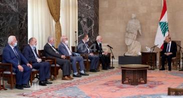 وفد فلسطيني يلتقي الرئيس اللبناني للتضامن مع لبنان