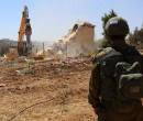 الاحتلال يهدم منزلا ويستولي على معدات للبناء في الخضر جنوب بيت لحم