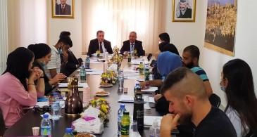 """المركز الفلسطيني يعقد طاولة مستديرة تحت عنوان:  """"الشباب الفلسطيني وتحديات القضية الوطنية"""""""