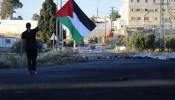 تواصل انتهاكات الاحتلال: شهيدة واصابتان بالرصاص واعتقالات و7 اخطارات بالهدم
