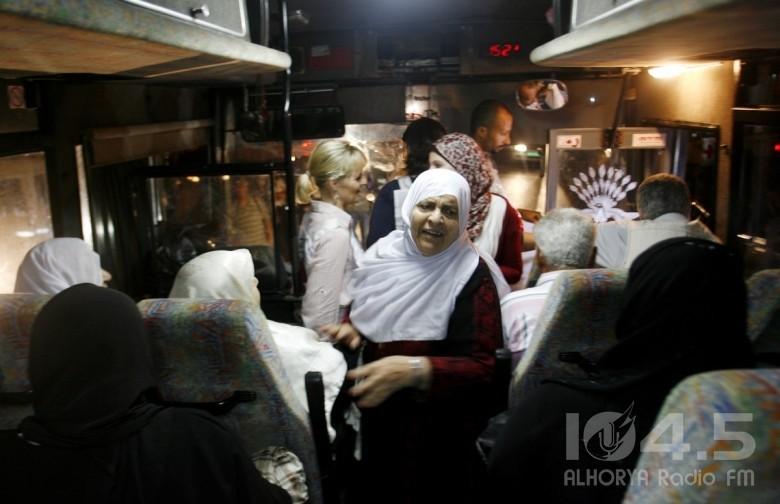 """26 من أهالي أسرى غزة يزورون 15 من أبنائهم في """"رامون"""""""